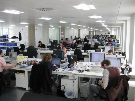 Office-Staff-Warned-to-Spend-Less-Time-Sitting1